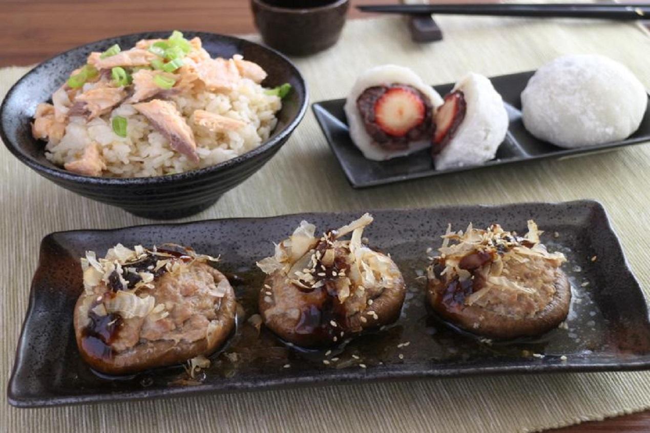 一鍋出一桌:鮭魚炊飯+香菇鑲肉+草莓大福