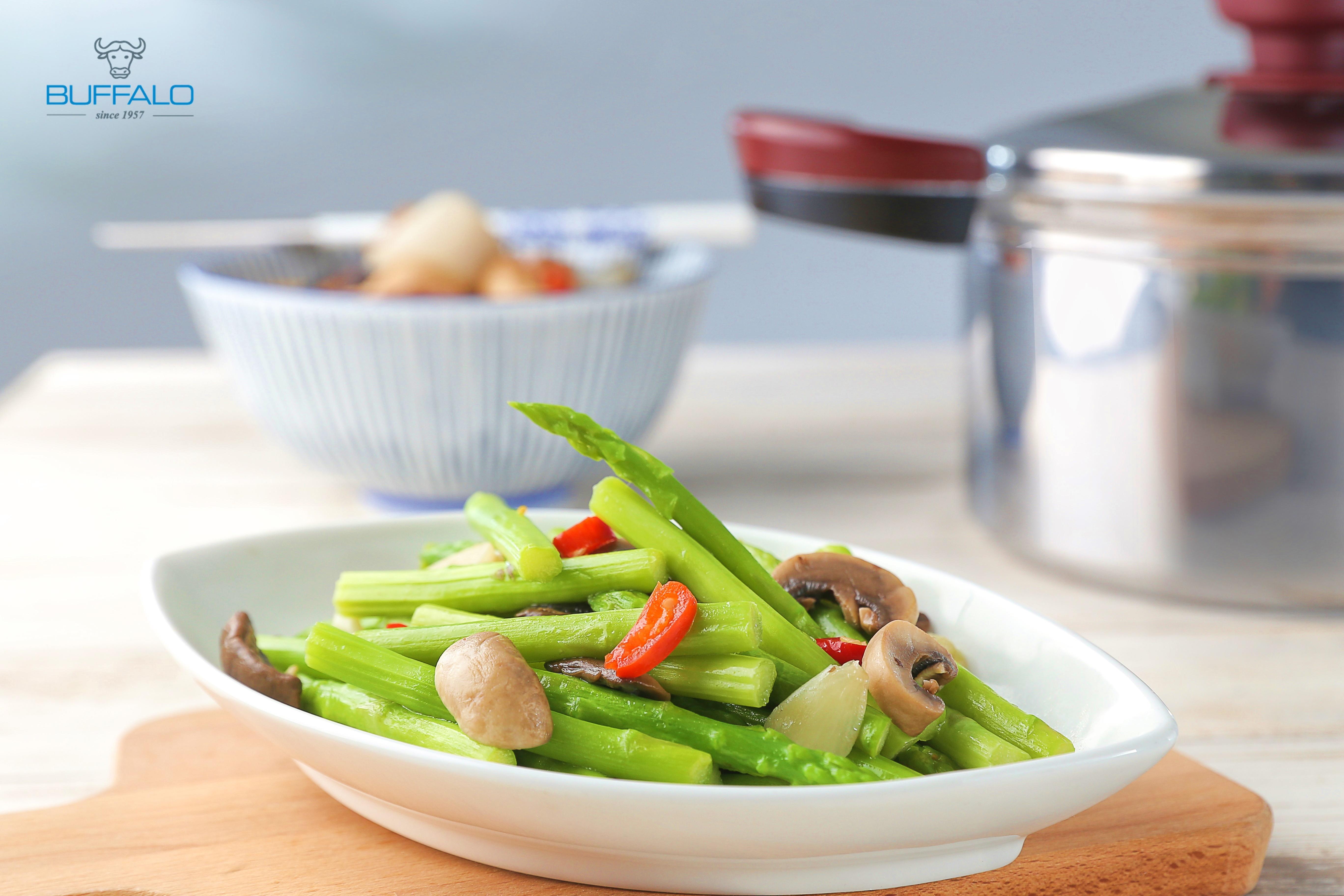 蘑菇炒蘆筍