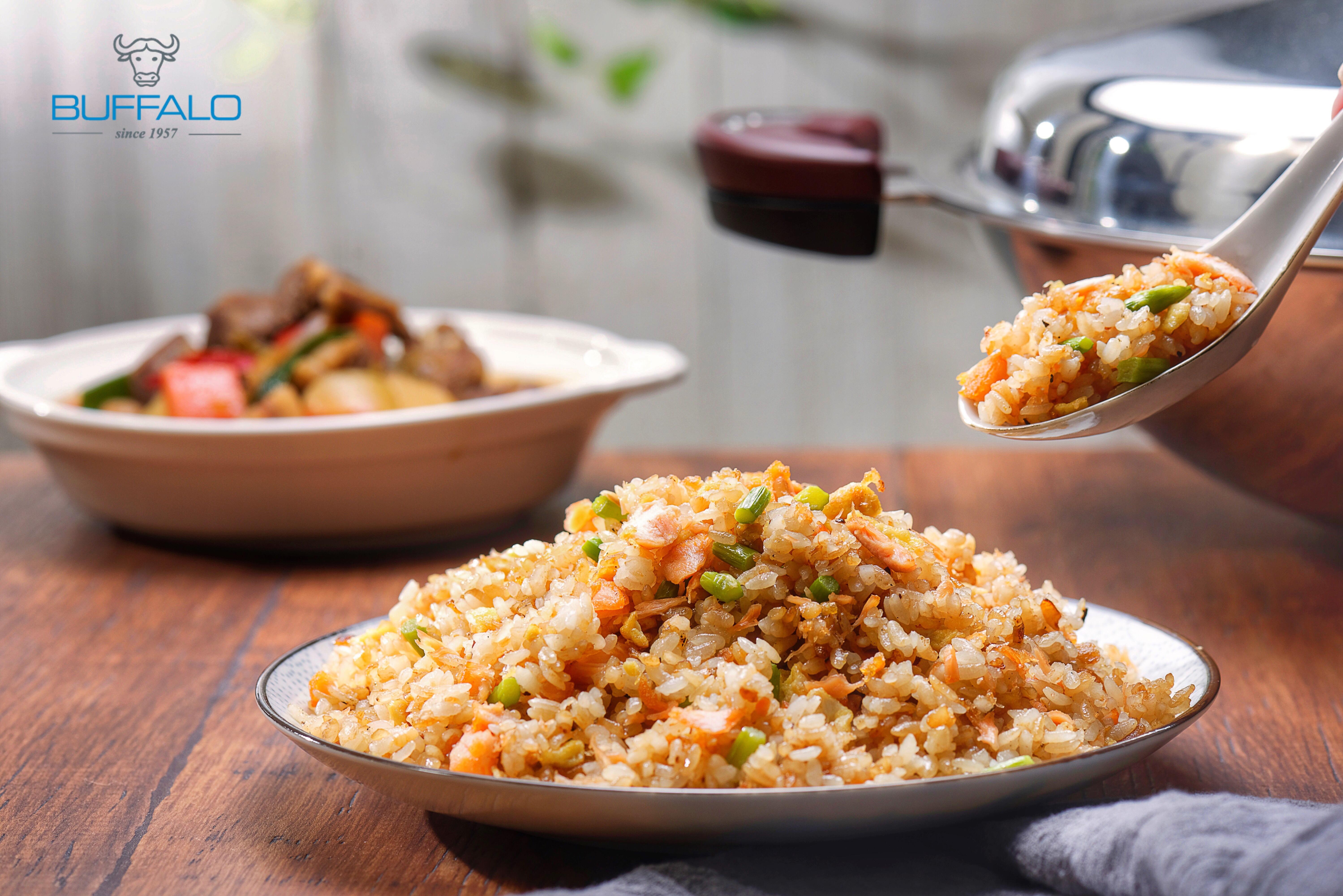 鮭魚蘆筍炒飯